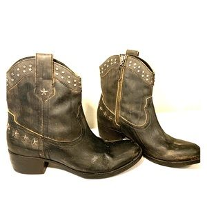 Guess Ladies Cowboy Boots